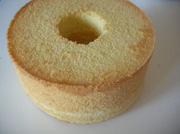 バニラシフォンケーキ型から出す.JPG