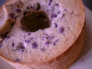 紫芋シフォンケーキとりだし.JPG